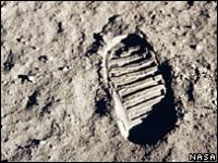 Впервые нога человека ступила на Луну в 1969 году.