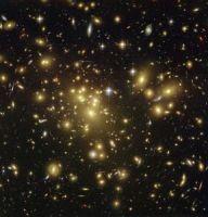Скопление галактик Aбель 1689 (изображение ЕКА)