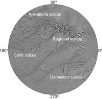 С ноября 2006 года каждая «тигровая полоса» на южном полюсе Энцелада носит свое имя. Сверху вниз: Александрия, Каир, Багдад, Дамаск. Фото из обсуждаемой статьи в Nature (V. 447. P. 292-294)